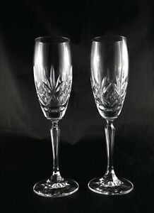 Pair-of-stunning-vintage-lead-crystal-champagne-prosecco-flutes-glasses