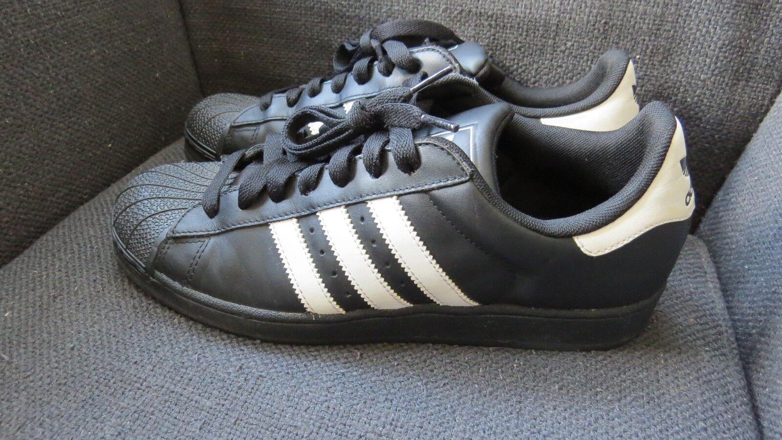 Adidas Superstar noir /blanc hommes Trainers Chaussures 9 no box