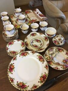 Royal-Albert-Old-Country-Roses-Tea-Dinner-service-select-items-all-1963-1972