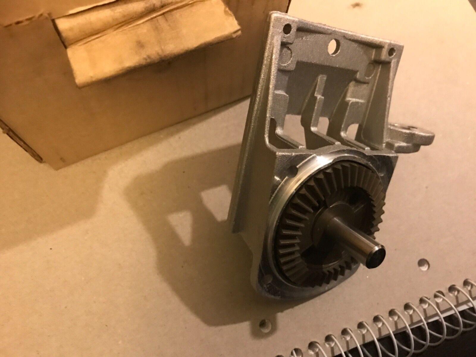 Elu mbr100 type 1   dewalt Dw682k Gearcase Cover 147730-02