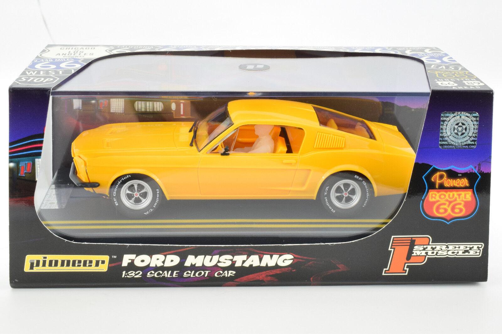 Pioneer 1968 Ford Mustang Notchback Naranja Claro J-Code Projootipo 1 32