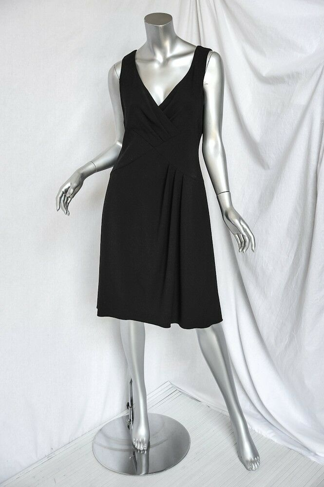 Giorgio  Armani Collezioni Negro sin Mangas Vestido Línea en a Pleated-Accents  connotación de lujo discreta