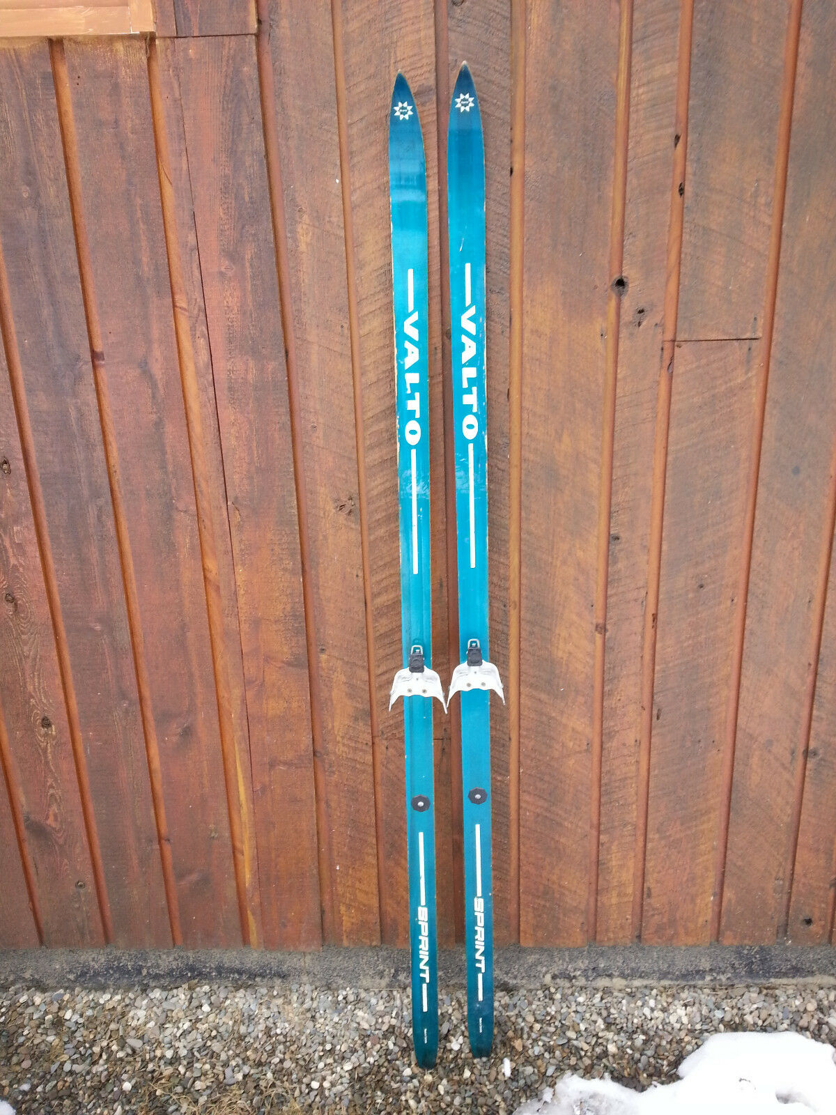 VINTAGE Wooden  72  Skis Signed VALTO with  blueE Finish  online shopping sports