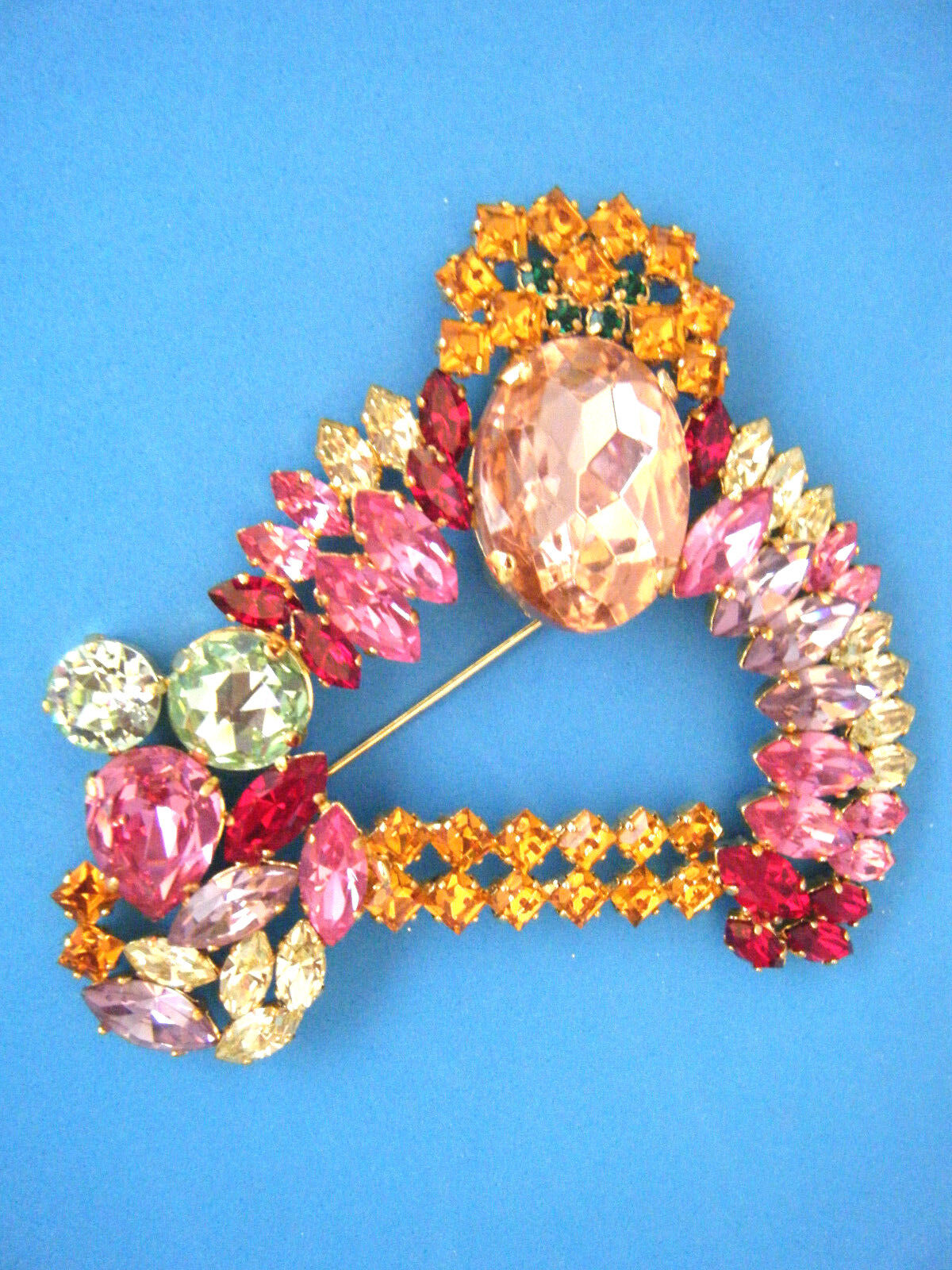 CHRISTIAN DIOR BOUTIQUE VINTAGE COLORFUL STONES gold PLATED BROOCH PIN IN CD BOX
