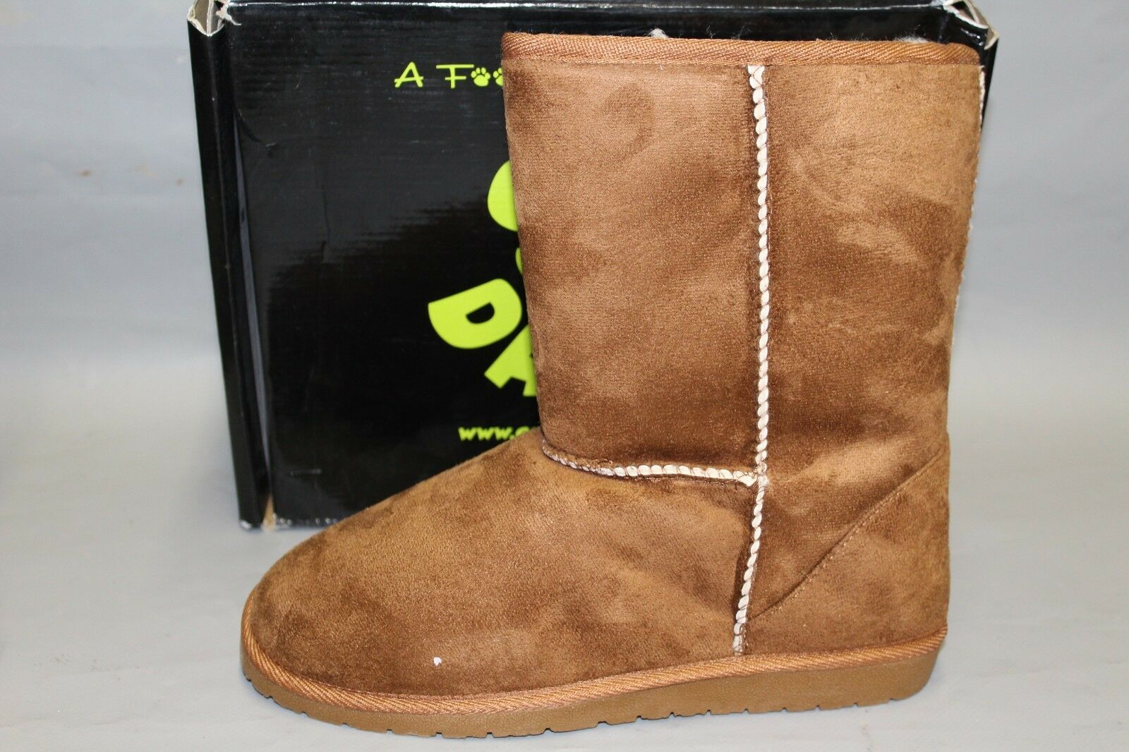 NEW Women's Dawgs US Size 7 Medium Chestnut Micro-Fibre Outer Warm Winter Boot