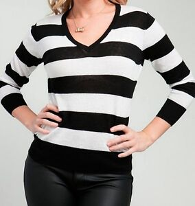 NWT-BLACK-AND-WHITE-stripped-v-neck-soft-sexy-stretch-Pullover-Sweater