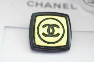 Six-Authentic-Chanel-Button-6-pieces-gold-XXL-25-mm-1-inch-cc-gold