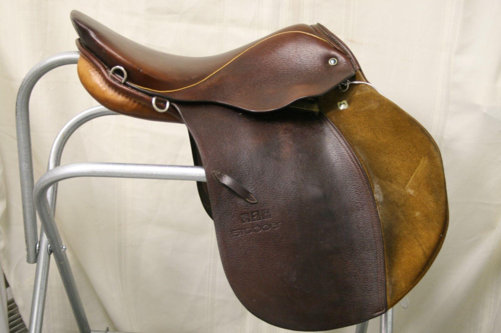 USED Stubben Siegfried CS Saddle  16 12 seat