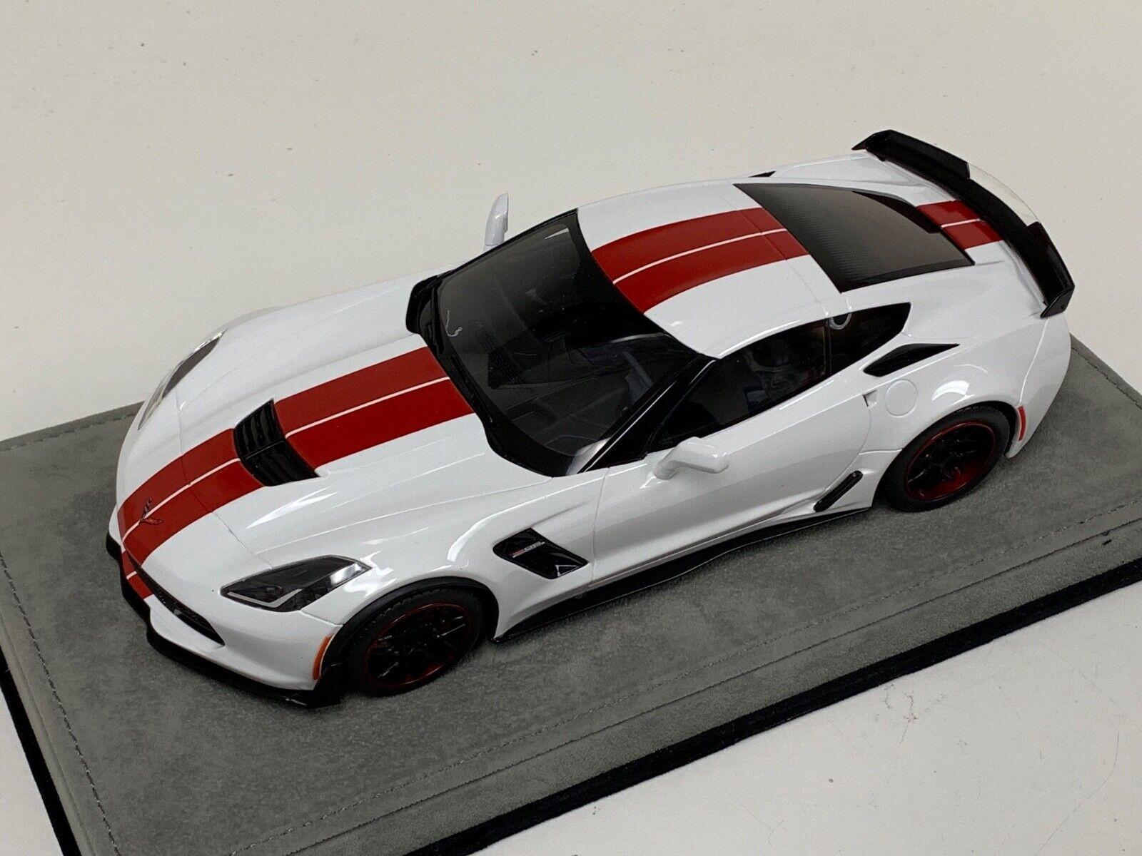 1 18 GT Spirit Chevrolet Corvette C7 vit röd Stripe Eget GT214 Alcantara