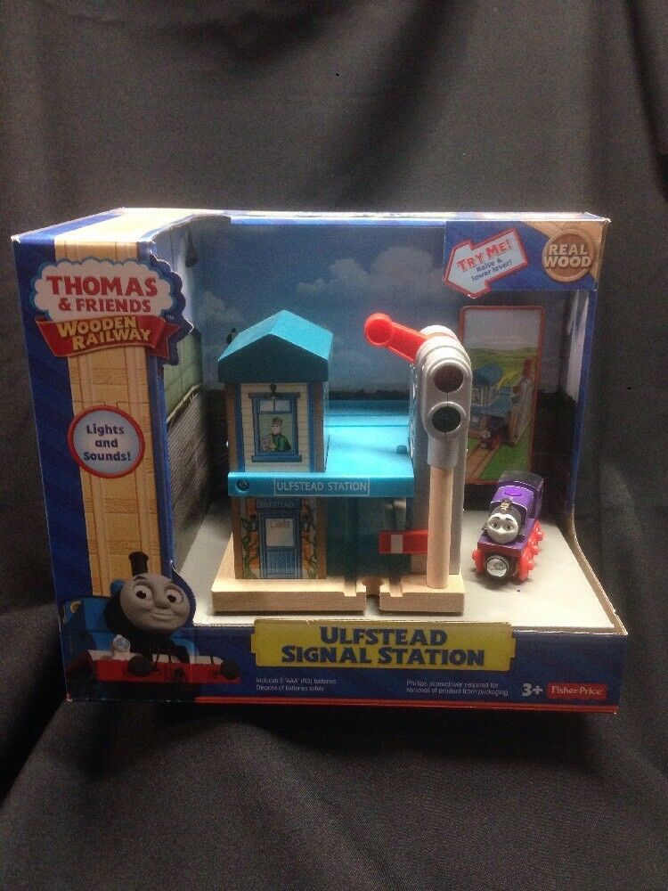 ULFSTEAD SIGNAL STATION Thomas & Friends WOODEN Railway Lights Sounds Train