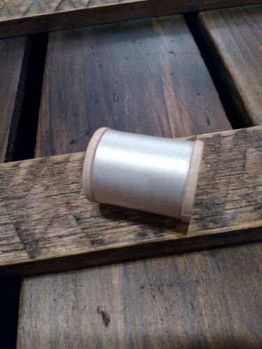 Vintage Gudebrod 4//0 White Silk Thread Wood Spool 0000 50 Yards Champion
