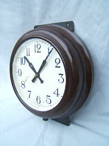 Bakelite-wall-clock-round-11-5-034-across-x-3-034-deep-shiney-not-working-Bak3
