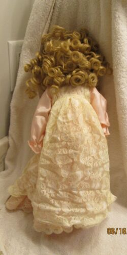 """Details about  /EMERALD DOLL COLLECTION PORCELAIN DOLL 15/"""" PINK NIGHTGOWN LACE COVER BRUSH"""