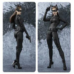 S.h.   Figuarts Bandai Le Chevalier Noir Catwoman Mib Mint New 4549660239260