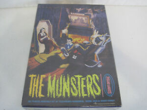 Rare-New-Sealed-The-Polar-Lights-The-Munsters-All-Plastic-Model-Kit-OAY71-774