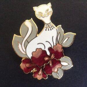 Vintage-White-Cat-Pin-Enamel-Cloisonne-Pink-Flowers-Leaves