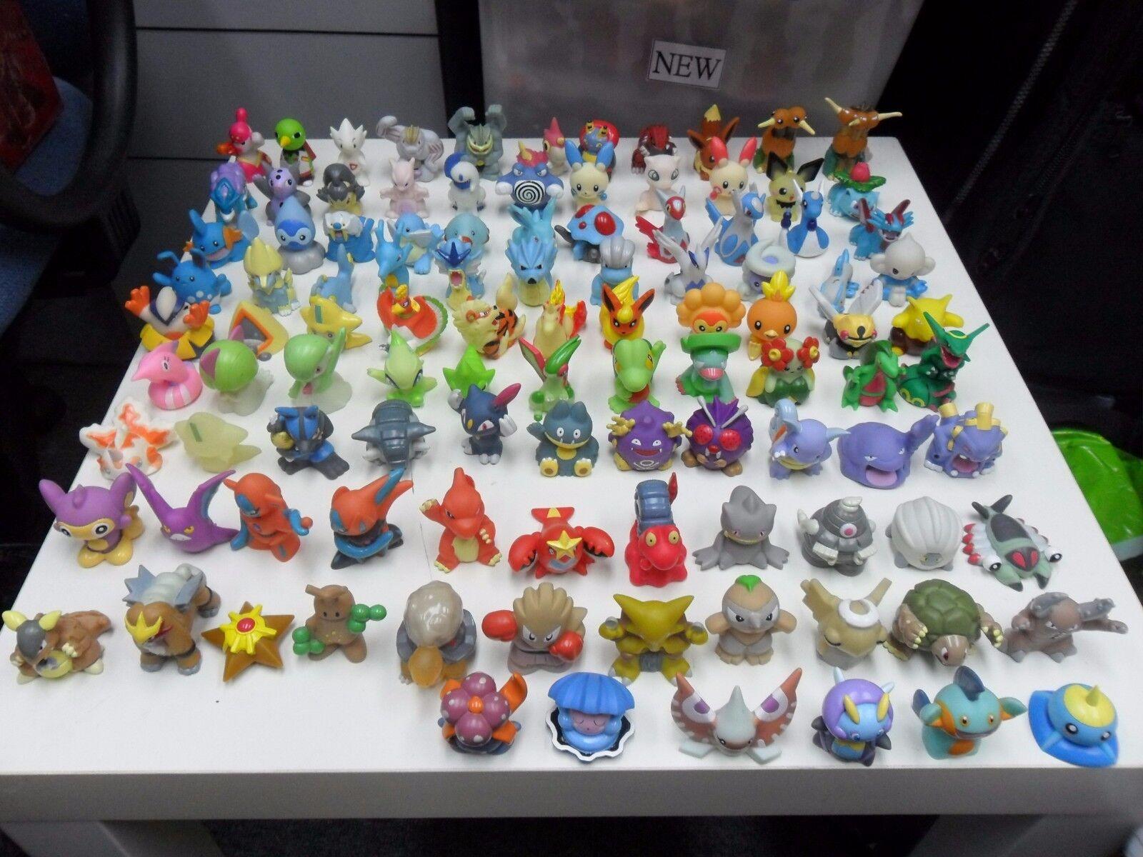 Pokemon Kids  Mini  Finger Puppet Figures Lot of 105 pcs
