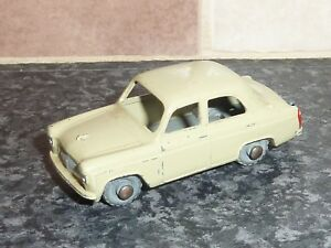 VINTAGE-LESNEY-MATCHBOX-No-30A-FORD-PREFECT-CREAM-BODY