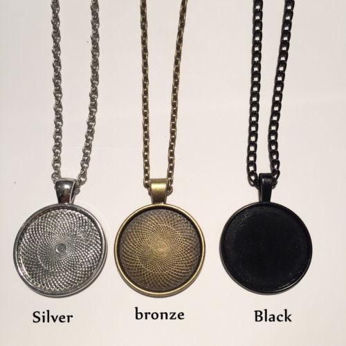 Wolf Photo Cabochon Glass Silver//Black//Bronze Chain Pendant Necklace