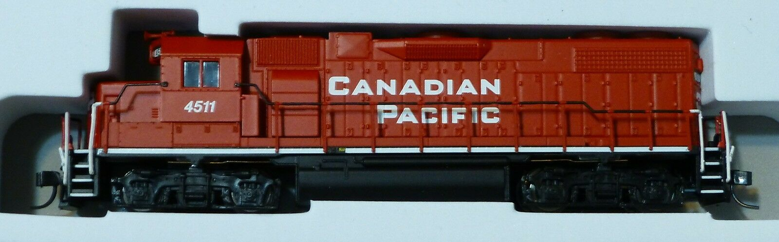 Atlas N EMD GP38-2 w Dynamic Brakes - Canadian Pacific Pacific Pacific (DCC) NCE bd74b8