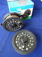 """A GOOD BOXED SHAKESPEARE GRAFLITE 3 1/2"""" FLY REEL WITH SPARE SPOOL AND LINES"""