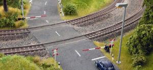 Noch-H0-14307-Bahnschranken-mit-Andreaskreuz-Neu-Ovp