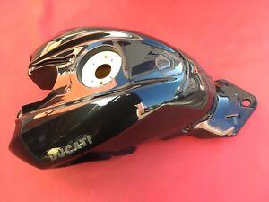 D29 Ducati Streetfighter 1098 S 848  Benzintank Benzin Tank Verkleidung