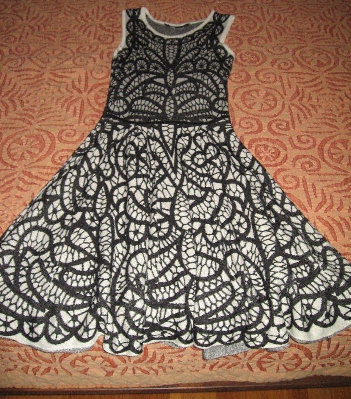 BCBGMAXAZRIA Knit Jacquard A-Line Dress size XS  Retail