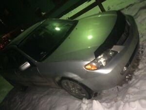 Mazda Protégé 2002 très bonne condition