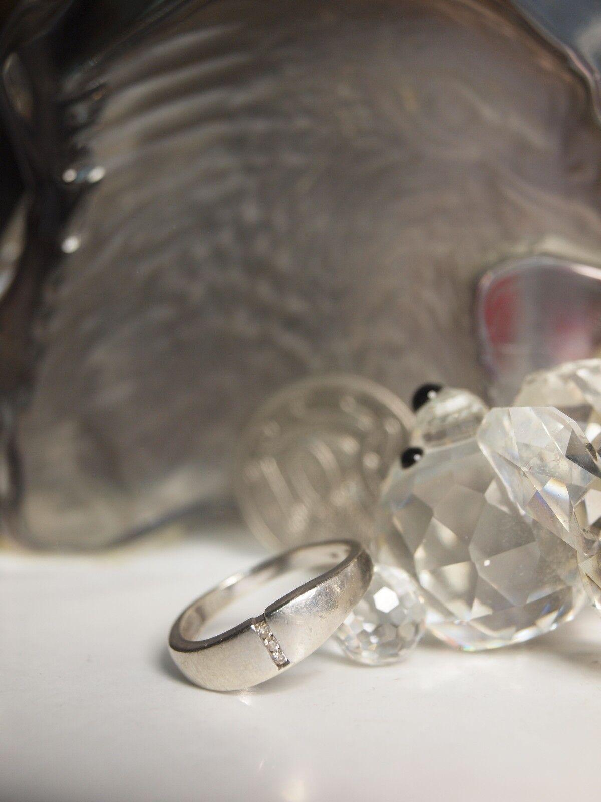 GENUINE 375 SOLID WHITE gold LADIES DIAMOND RING - SIZE   O   HALLMARKED   375