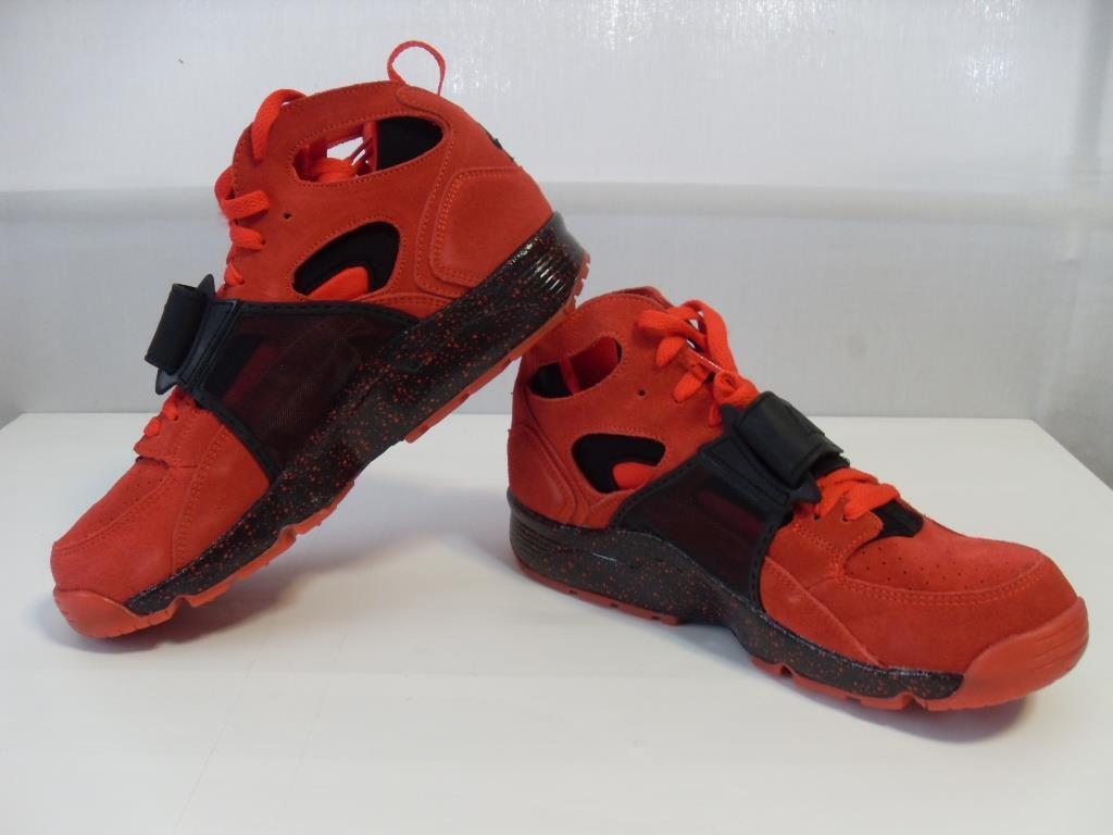 New Men's Men's Men's Nike Air Trainer Huarache PRM QS shoes - color  Red - Size 10 - NWOT 8ee892