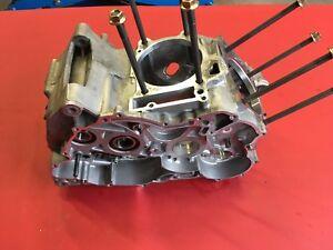 A2 Aprilia RSV Mille 1000 RR Bj2008 Motorgehäuse Motor Gehäuse Motorblock