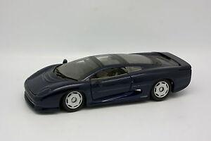 Maisto-1-24-Jaguar-XJ220-Bleue