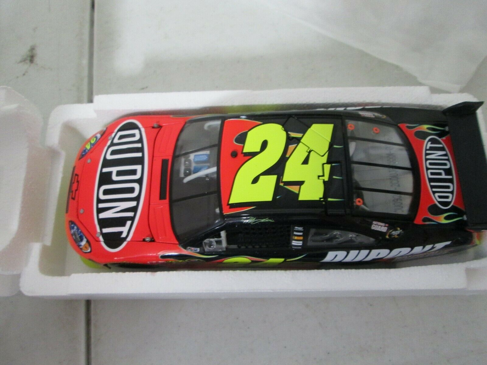 Action 2009 Jeff Gordon Dupont Club Car 1 24 1 of 300