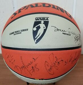 SPALDING-GAME-BALL-SERIES-OUTDOOR-TEAM-SIGNED-WNBA-FULL-SIZE-BASKETBALL