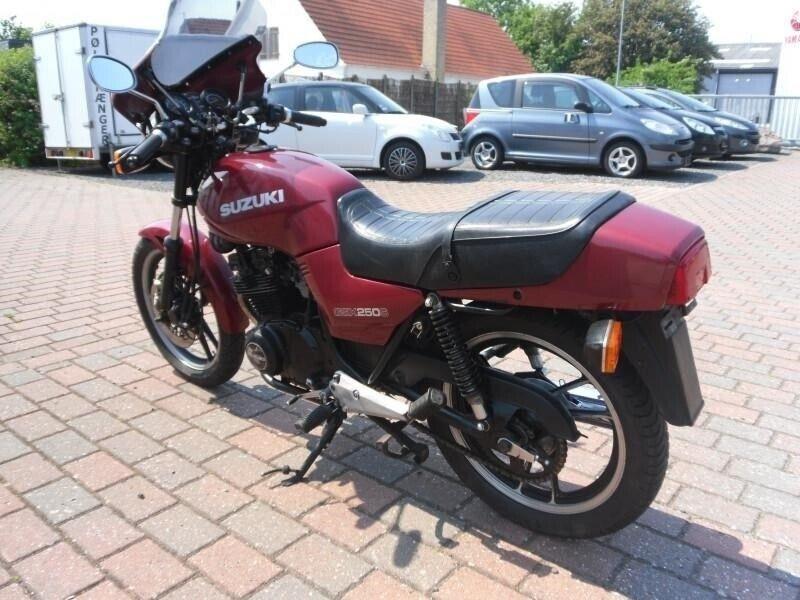 Suzuki, GSX 250 ES, ccm 249