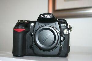 Fotocamera-Nikon-D200-reflex-digitale-macchina-fotografica-corpo-macchina-d300