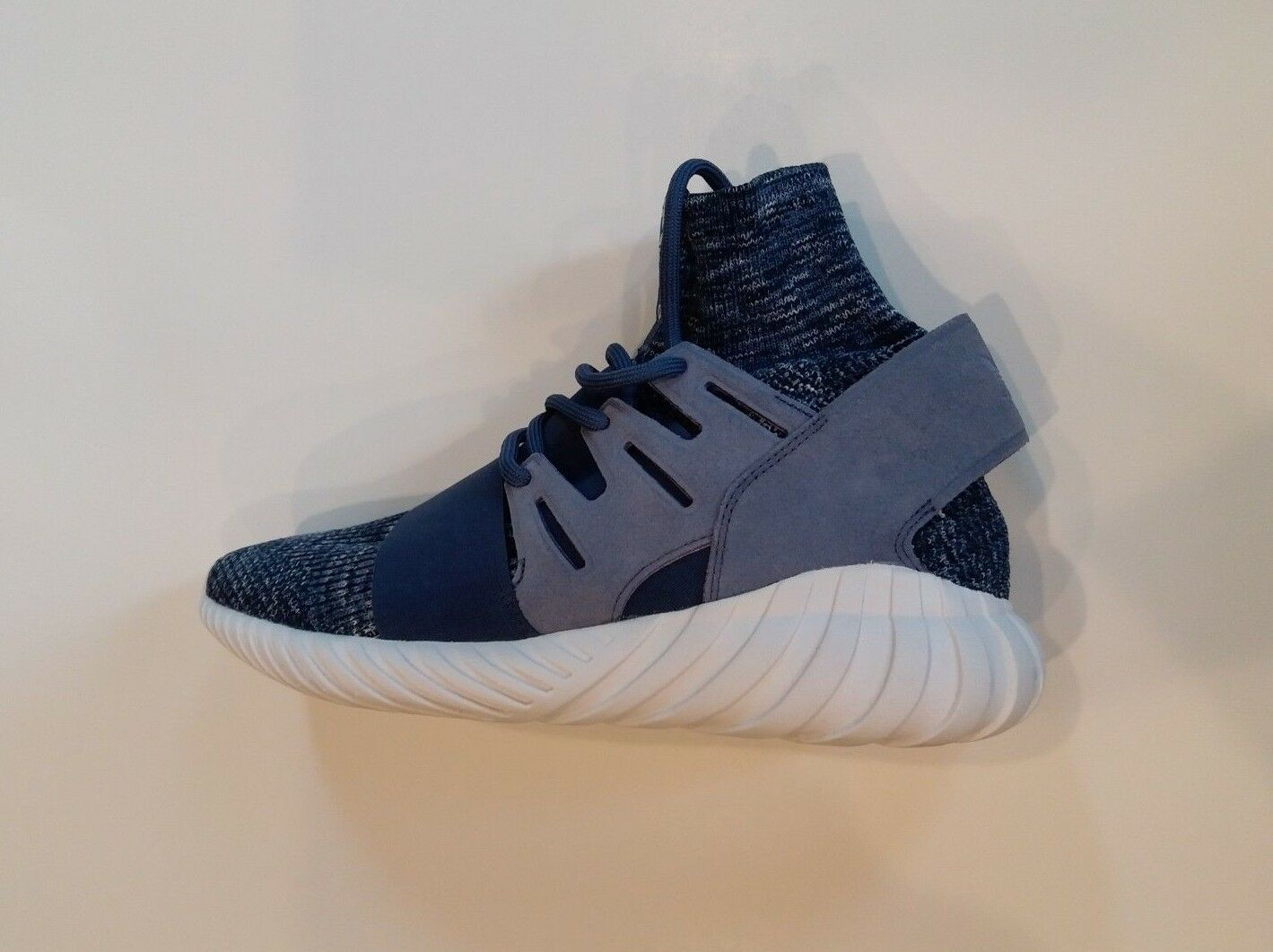 Men's    Adidas Tubular Doom  Primeknit bluee Glow   BB2393 shoes Size us 11-M 2a931a