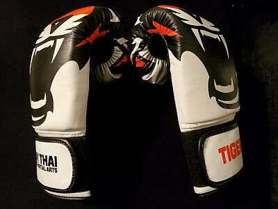 Fighting Boxing Sports Leather Gloves Tiger Muay Thai For sale 1 Fight Pair E0U5