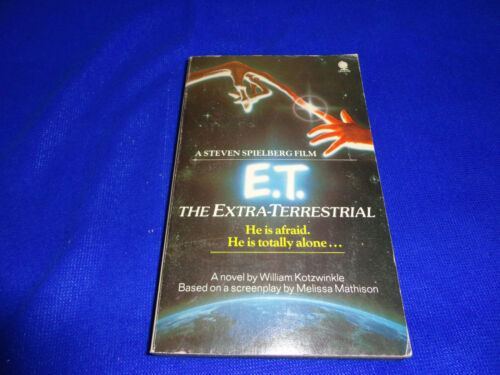 E.T. THE EXTRATERRESTRIAL BY WILLIAM KOTZWINKLE SMALL PB BOOK!