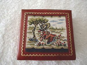 Vintage-Vinyl-Jewelry-Box-With-Mirror-034-EUC-034-BEAUTIFUL-COLLECTABLE-ITEM-034