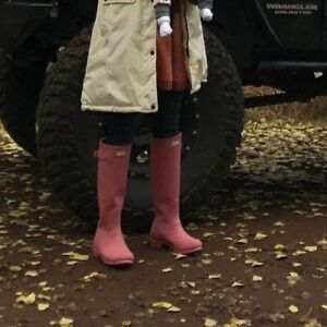 presenting 50% price 2018 shoes Details about Hunter Womens PINK Matte Rubber Rain BOOTS Original Tall 9