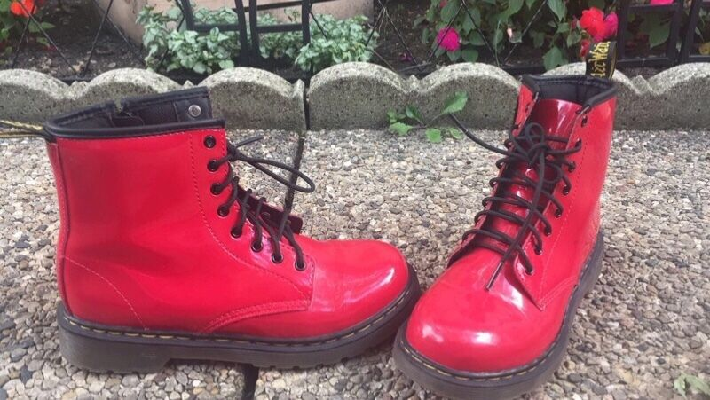 Womens shoes shoes shoes Doc Marten red size 4 53bb4f