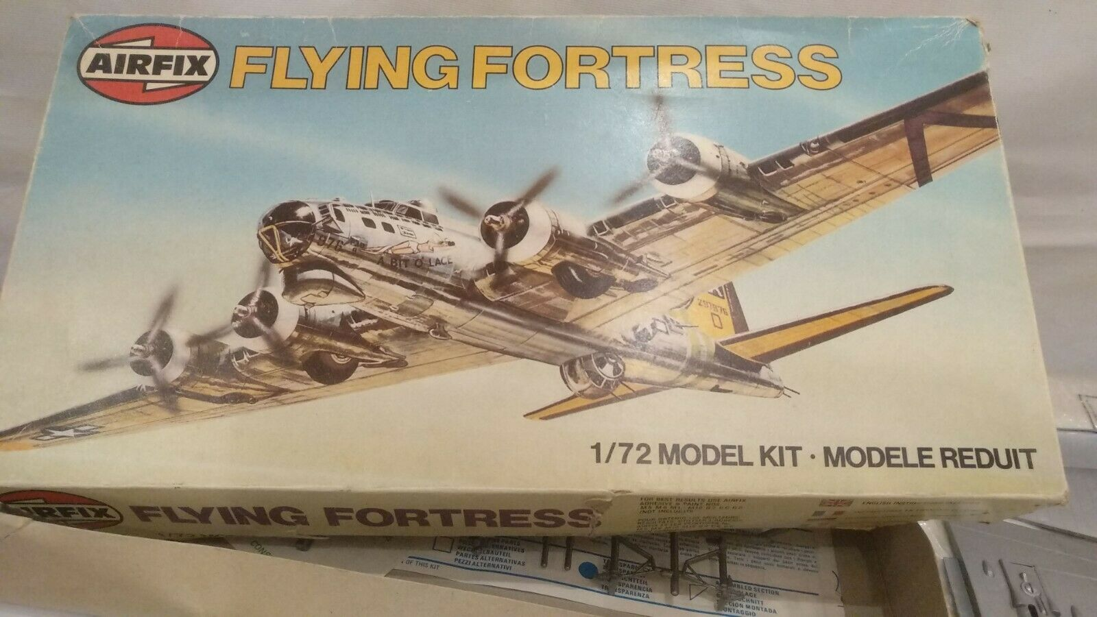 Vintage Airfix Flying Fortress Heavy Bomber Aircraft 1 72 Model Kit Boeing B-17