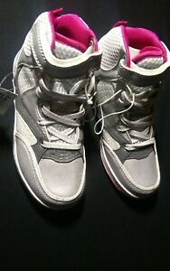 Shoes-White-Grey-Size-UK-12-Kids-Size-Euro-31-Casual-Trainers