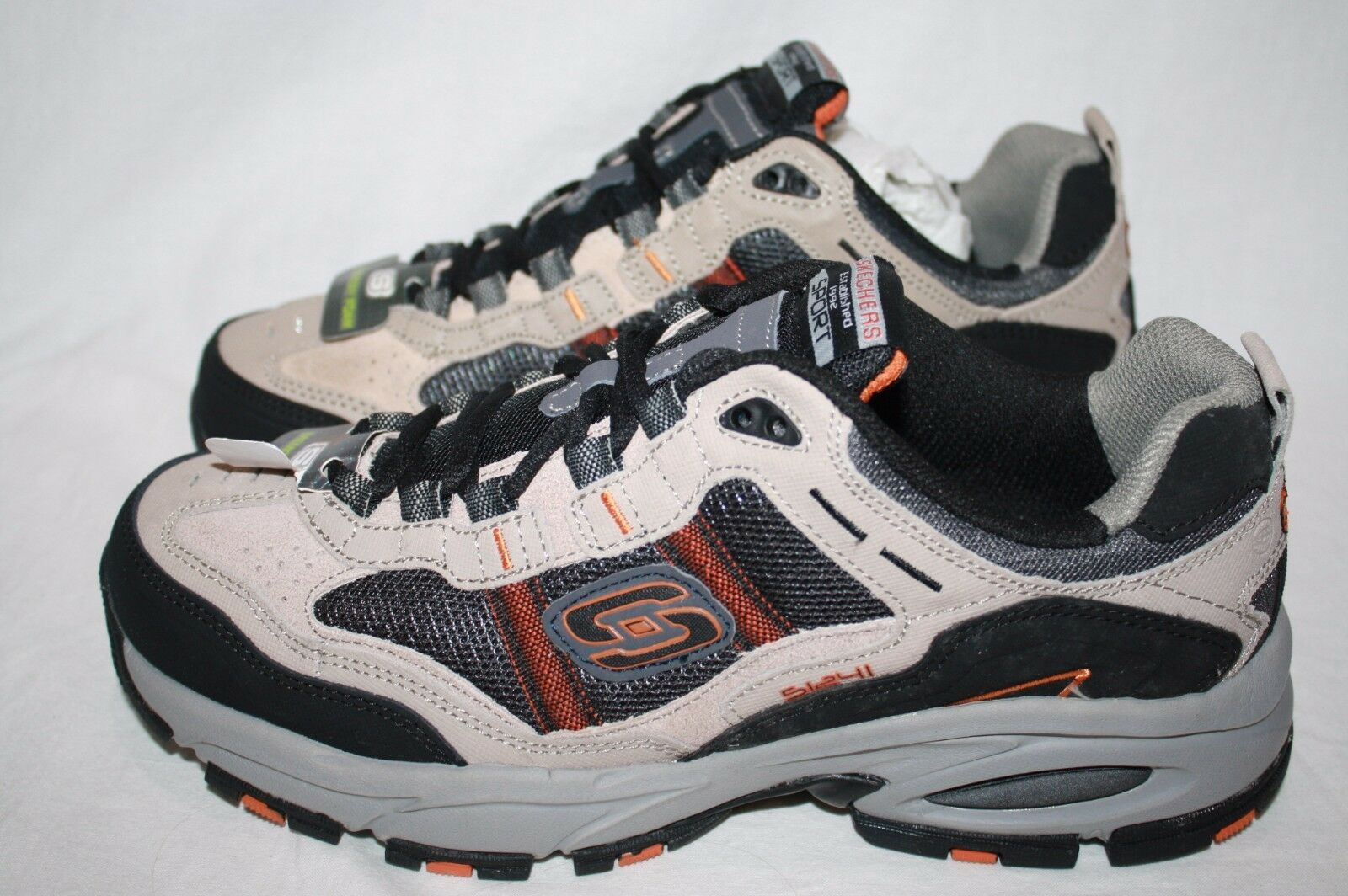 MENS SKECHERS SPORT WITH MEMORY FOAM SHOES - SEE LISTING FOR SIZE (2311)