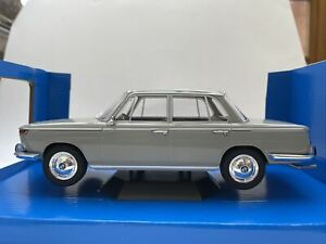 MCG-18112-BMW-2000-Ti-diecast-model-road-car-grey-1966-1-18th-scale