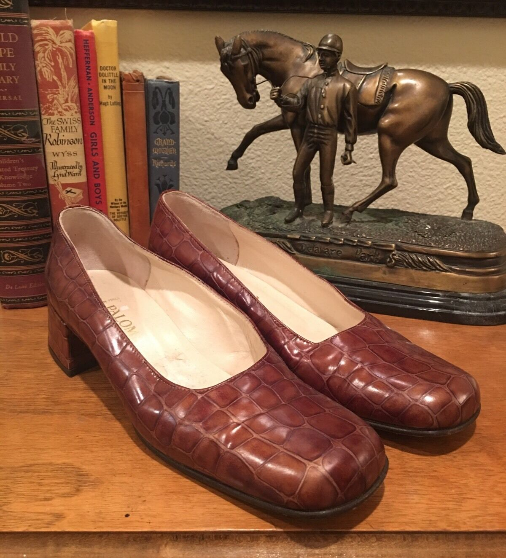 PALOMA Marronee Crocodile Leather Classic Low Heel Pump Worn Once Mint   8B