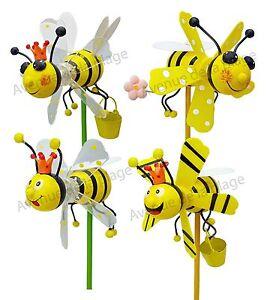 moulin vent abeille jaune et noire en bois 11 cm. Black Bedroom Furniture Sets. Home Design Ideas