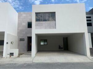 Casa Venta  CUMBRES DE SANTIAGO